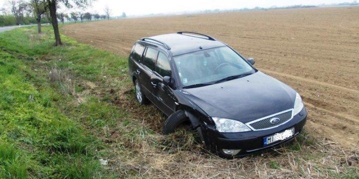 Dopravná nehoda Mondeo a Octavia pred obcou Zemplínska Široká