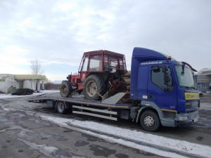 Prevoz traktora z Rožňavy do obce Ruský Hrabovec