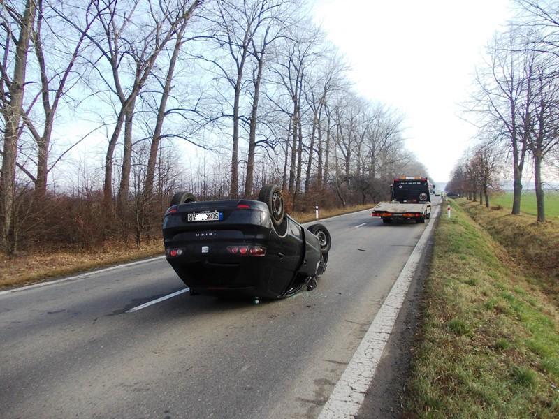 Dopravná nehoda vozidla Seat Ibiza za obcou Gajdoš