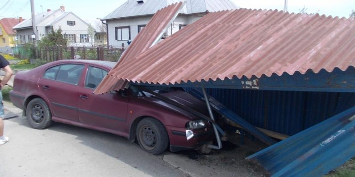 Dopravná nehoda Škoda – Octavia v obci Šamudovcev