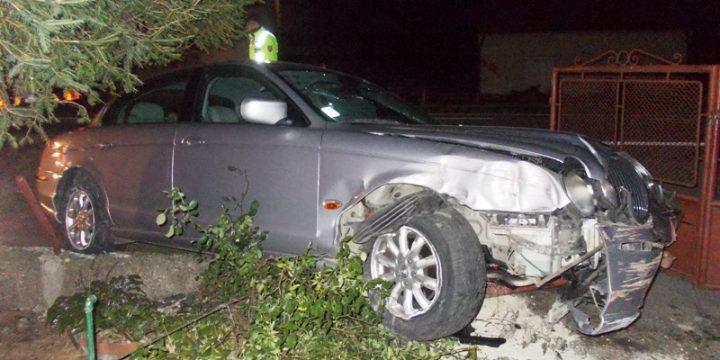 Dopravná nehoda vozidla Jaguar v Pozdišovciach